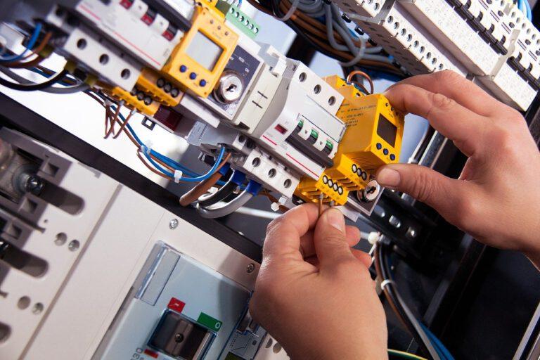 electric, wiring, electrics-4198293.jpg